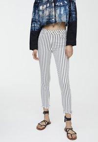 PULL&BEAR - Jeans Skinny Fit - grey - 0