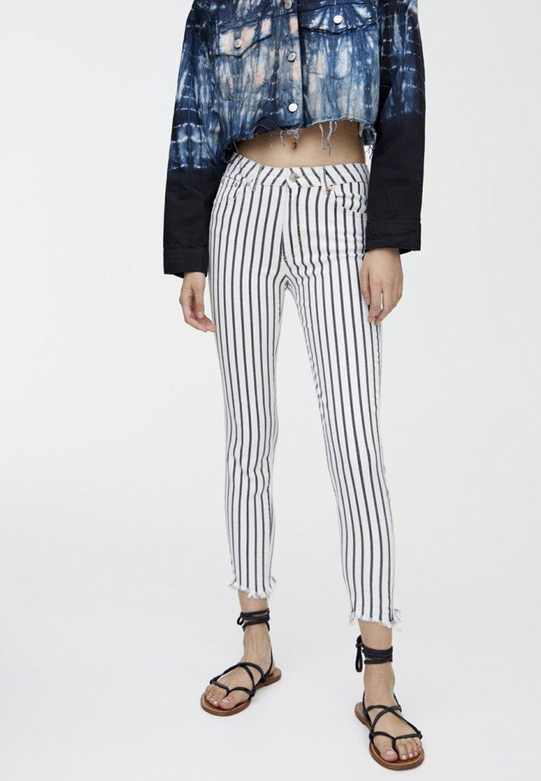 PULL&BEAR - Jeans Skinny Fit - grey