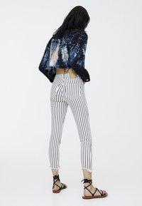 PULL&BEAR - Jeans Skinny Fit - grey - 2