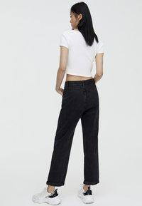 PULL&BEAR - MOM - Straight leg jeans - black - 2