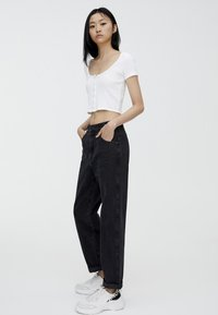 PULL&BEAR - MOM - Straight leg jeans - black - 3