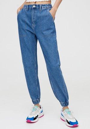 MIT HOHEM BUND  - Jeans Tapered Fit - blue