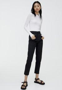 PULL&BEAR - MOM - Slim fit -farkut - black - 1