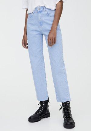 MIT HOHEM BUND - Straight leg jeans - light blue