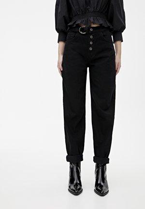 JEANS IM GAUCHO-STIL MIT KNÖPFEN UND GÜRTEL 09682304 - Relaxed fit jeans - black