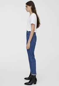PULL&BEAR - MOM FIT - Straight leg jeans - blue - 3