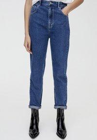 PULL&BEAR - MOM FIT - Straight leg jeans - blue - 0