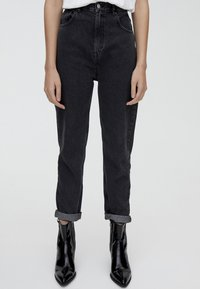 PULL&BEAR - MOM FIT - Straight leg jeans - black - 0