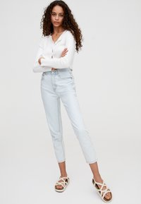 PULL&BEAR - BASIC-MOM - Slim fit jeans - light blue - 1