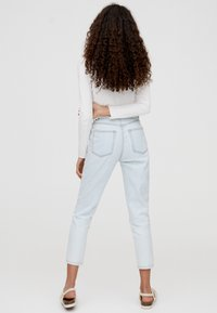 PULL&BEAR - BASIC-MOM - Slim fit jeans - light blue - 2