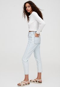 PULL&BEAR - BASIC-MOM - Slim fit jeans - light blue - 3