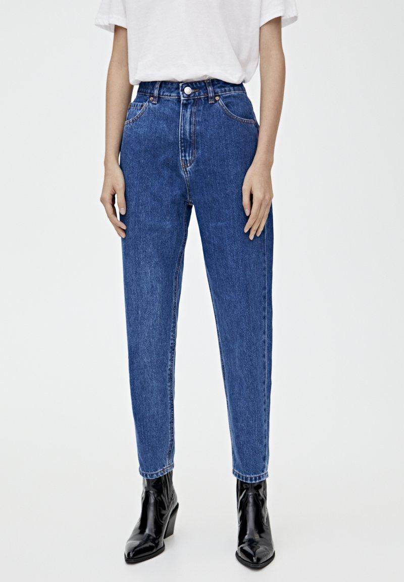 PULL&BEAR - BASIC-MOM - Jeansy Slim Fit - mottled blue