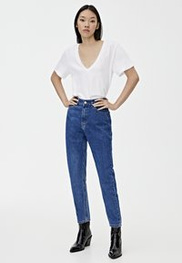 PULL&BEAR - BASIC-MOM - Jeansy Slim Fit - mottled blue - 1