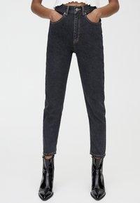 PULL&BEAR - BASIC-MOM - Slim fit jeans - black - 0