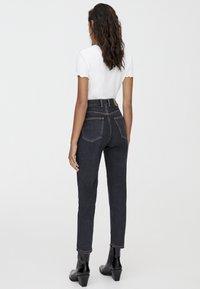 PULL&BEAR - BASIC-MOM - Slim fit jeans - black - 2