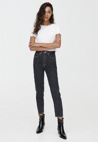 PULL&BEAR - BASIC-MOM - Slim fit jeans - black - 1