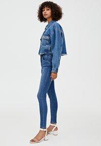 PULL&BEAR - MIT HOHEM BUND - Jeans Skinny Fit - dark blue - 3
