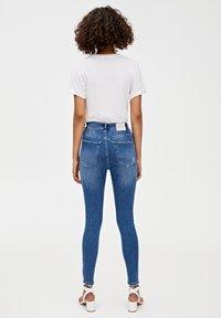 PULL&BEAR - MIT HOHEM BUND - Jeans Skinny Fit - dark blue - 2