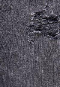 PULL&BEAR - KAROTTEN - Jean slim - black - 5