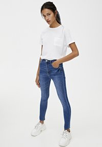 PULL&BEAR - BASIC-JEANS IM SKINNY-FIT MIT HOHEM BUND 09684315 - Jeans Skinny Fit - dark blue - 1