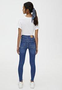 PULL&BEAR - BASIC-JEANS IM SKINNY-FIT MIT HOHEM BUND 09684315 - Jeans Skinny Fit - dark blue - 2