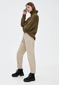 PULL&BEAR - Relaxed fit -farkut - light brown - 3