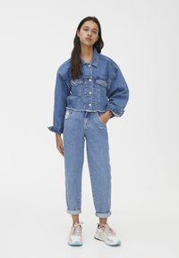 PULL&BEAR - SLOUCHY - Jeansy Straight Leg - blue - 1