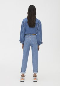 PULL&BEAR - SLOUCHY - Jeansy Straight Leg - blue - 2