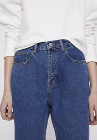 PULL&BEAR - BASIC-MOM - Jeans Straight Leg - blue - 3