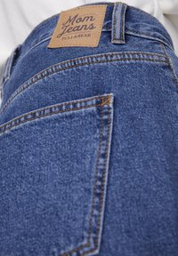 PULL&BEAR - BASIC-MOM - Jeans Straight Leg - blue - 5