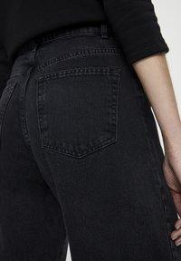 PULL&BEAR - Džíny Straight Fit - black - 4