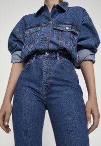 PULL&BEAR - COMFORT FIT MOM - Jeans Slim Fit - dark blue - 4