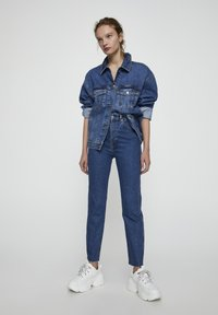 PULL&BEAR - COMFORT FIT MOM - Jeans Slim Fit - dark blue - 1