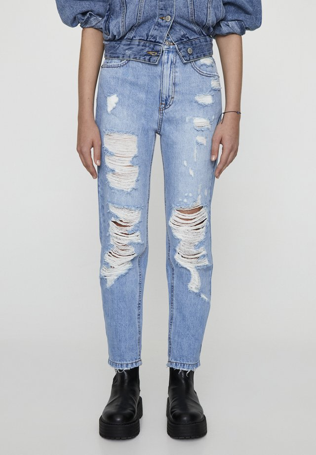 MIT RISSEN AN DEN BEINEN  - Slim fit jeans - light-blue denim