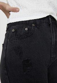 PULL&BEAR - MIT RISSEN AN DEN BEINEN  - Jean slim - black denim - 4