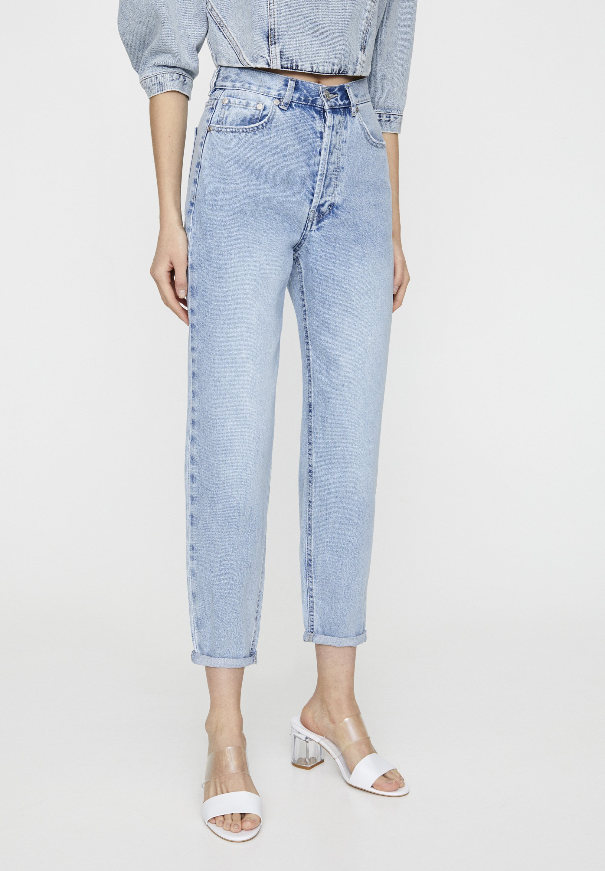 PULL&BEAR MIT SEHR HOHEM BUND - Jeansy Straight Leg - mottled light blue