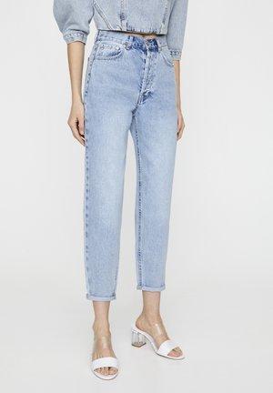 MIT SEHR HOHEM BUND - Straight leg jeans - mottled light blue