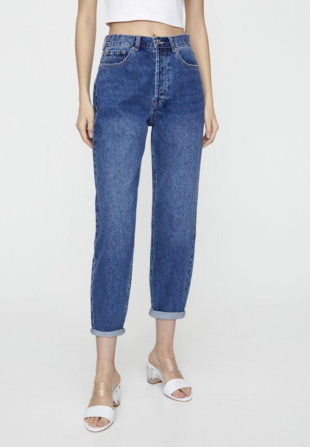 MIT SEHR HOHEM BUND - Jeansy Straight Leg - blue