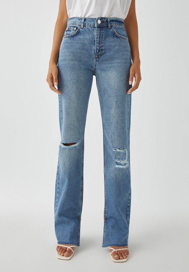 BLAUE JEANS MIT HOHEM BUND UND SCHLITZEN - Jeans Straight Leg - blue denim
