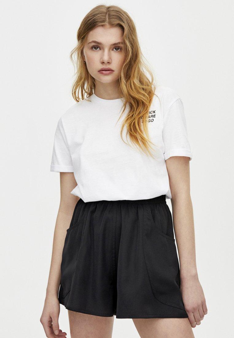PULL&BEAR - BERMUDA - Shorts - black