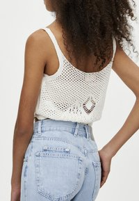 PULL&BEAR - MIT HOHEM BUND - Jeansy Relaxed Fit - light blue - 4