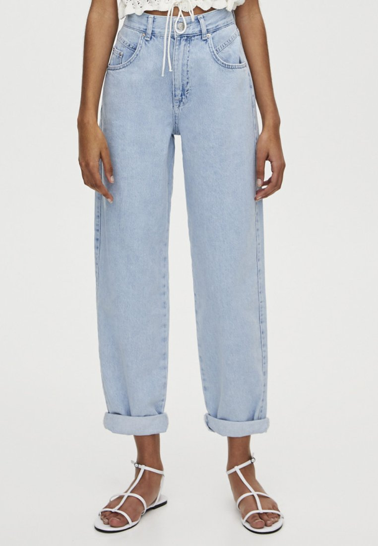 PULL&BEAR - MIT HOHEM BUND - Jeansy Relaxed Fit - light blue