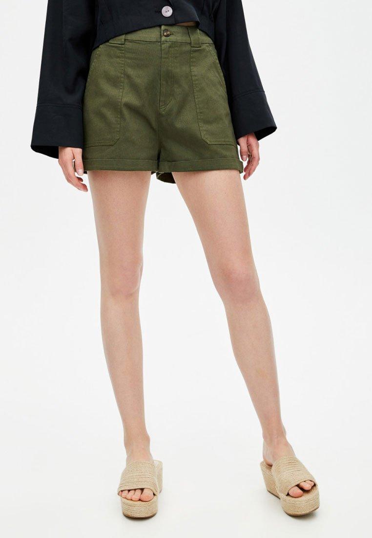 PULL&BEAR - Short - khaki