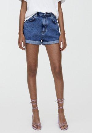MIT STRETCHBUND  - Szorty jeansowe - blue