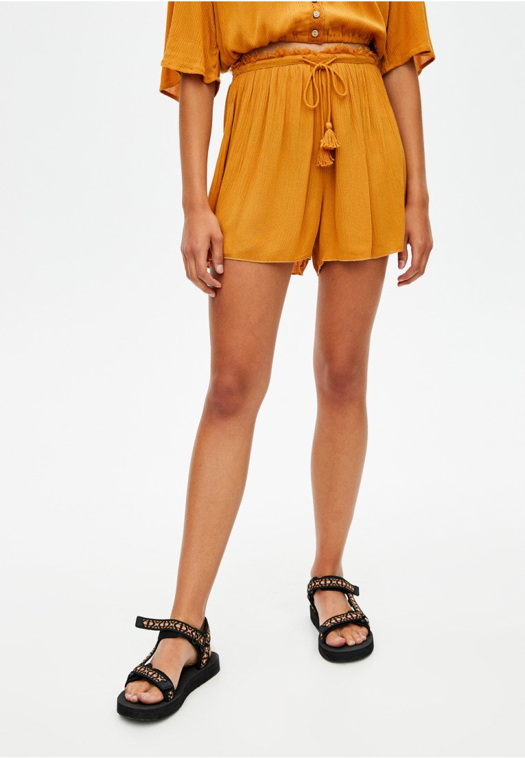 PULL&BEAR - Szorty - mustard yellow