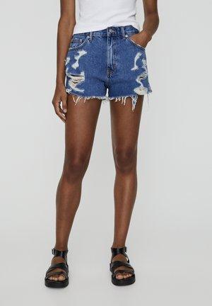 MIT WEITEN ZIERRISSEN - Shorts di jeans - blue