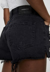 PULL&BEAR - Jeans Shorts - black - 5