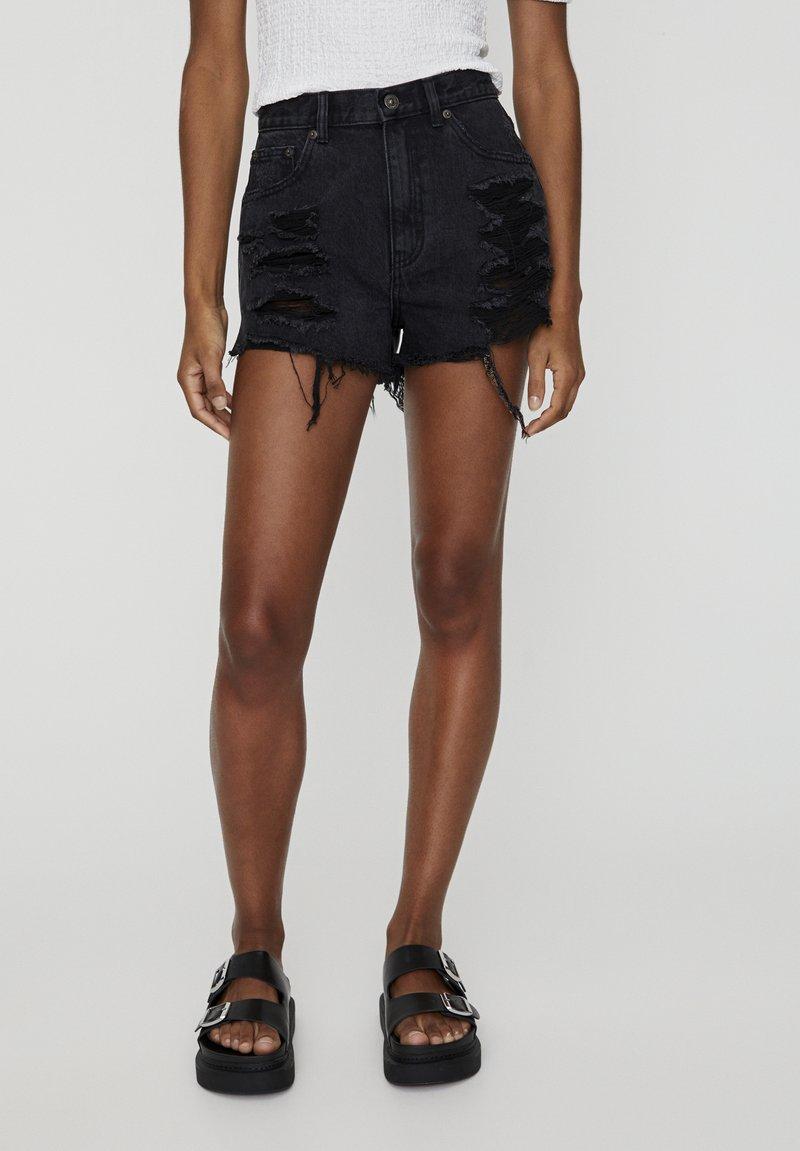 PULL&BEAR - Jeans Shorts - black