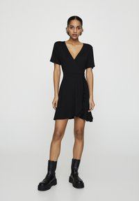 PULL&BEAR - Korte jurk - black - 1