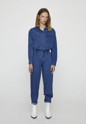 MIT BUNDFALTEN - Jumpsuit - dark blue